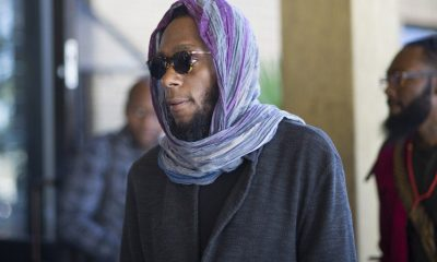 us-hip-hop-artist-and-actor-yasiin-bey-popularly-known-as-mos-def-walks-into-the-bellville-magistrates-court-to-appear-for-contravening-south-african-immigration-laws-on-march-8-2016-in-cape-town